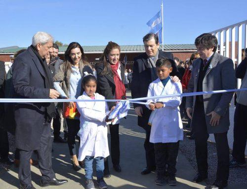 """""""Día de la bandera"""", el Gobernador de la Provincia, Dr. Gerardo Zamora inauguró el nuevo edificio de la escuela Nº 86 """"Inca Garcilaso de la Vega"""""""